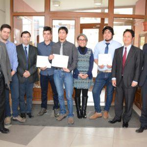 Mitsubishi Entrega Beca A Cuatro Estudiantes De Salmonicultura De La UACh
